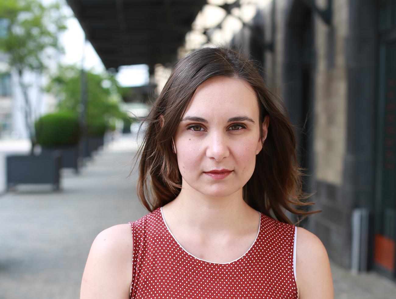 Schauspielschülerin Anne Scarbath und ihre bisherigen Erfahrungen im Bereich Schauspielausbildung an der Theaterakademie Köln