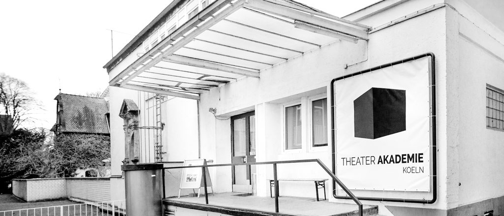 Über Machtmissbrauch an Schauspielschulen und unsere Haltung an der Theaterakademie Köln zu diesem Thema